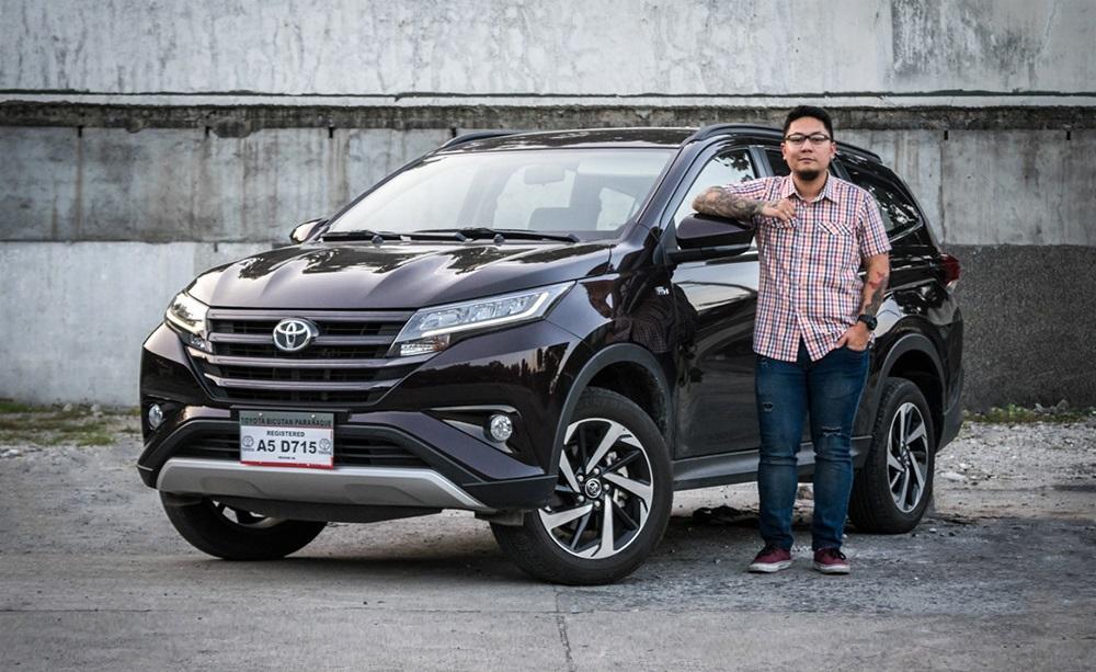 Cho thuê xe tự lái 7 chỗ Toyota Rush