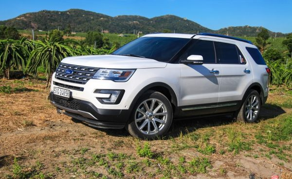 Cho thuê xe tự lái 7 chỗ Ford Explorer