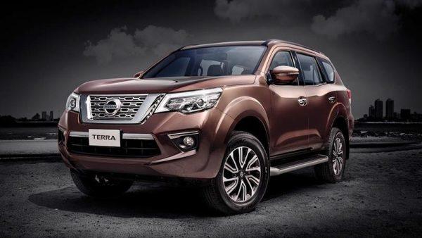 Dịch vụ cho thuê xe tự lái 7 chỗ Nissan terra giá rẻ, uy tín của dịch vụ Huy Đạt